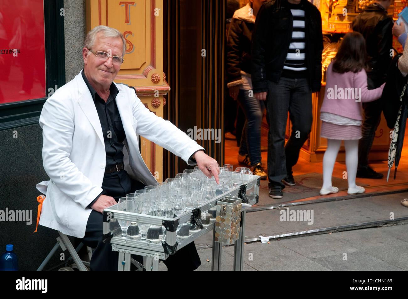 Street musician. Madrid, Spain. - Stock Image