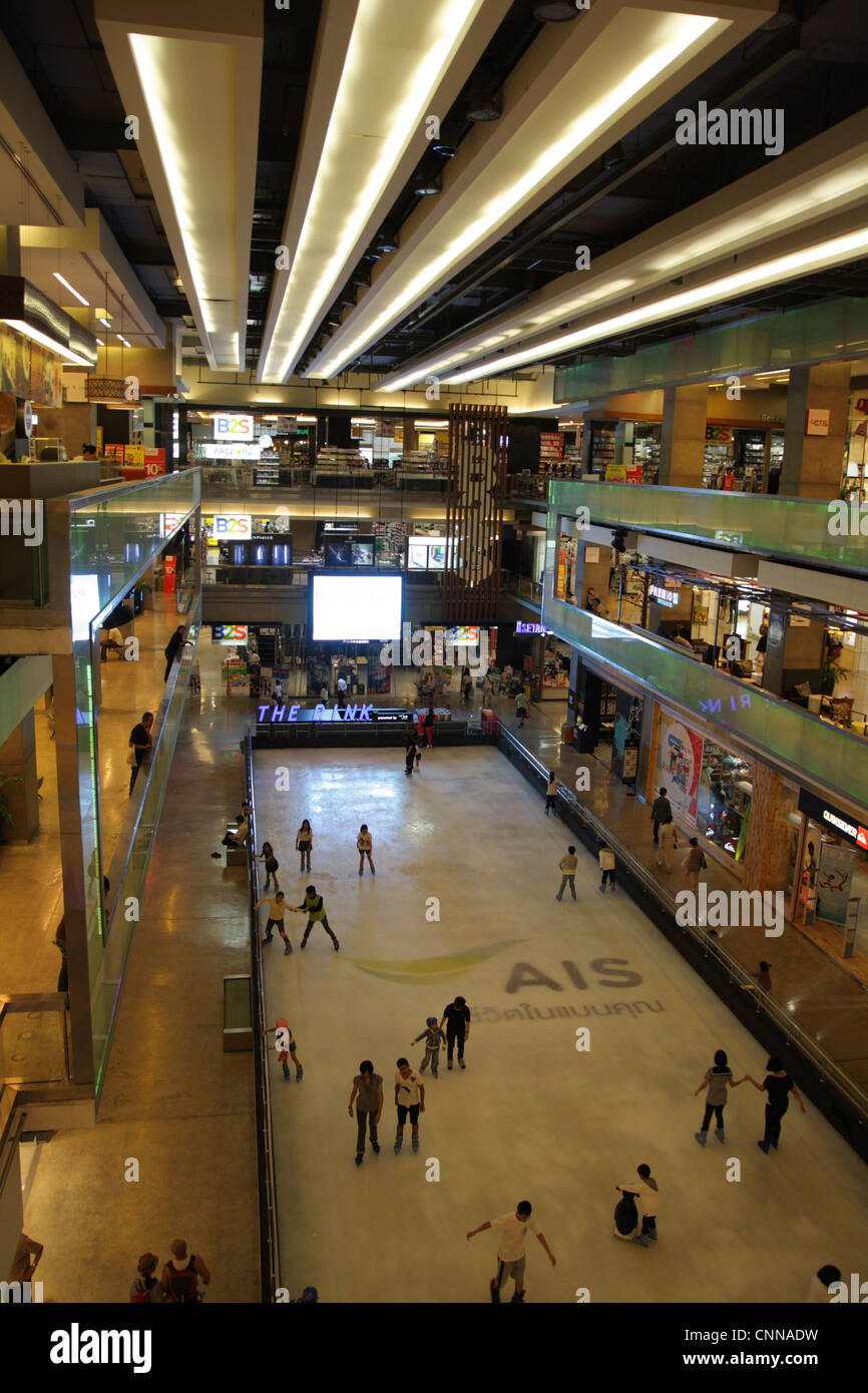 Ice skate rink in Central World shopping mall in Bangkok - Stock Image