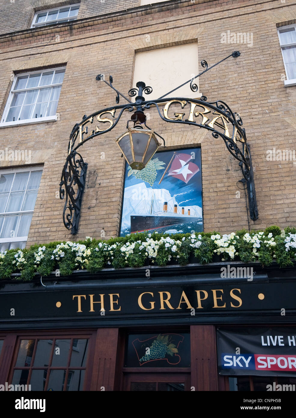 The Grapes Pub on Oxford Street in Southampton, England, UK - Stock Image