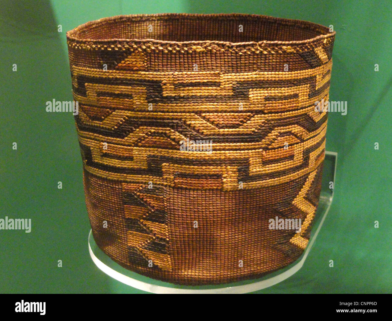 Basket, Tlingit, probably mid 1800s - Native American collection - Peabody Museum, Harvard University - Stock Image