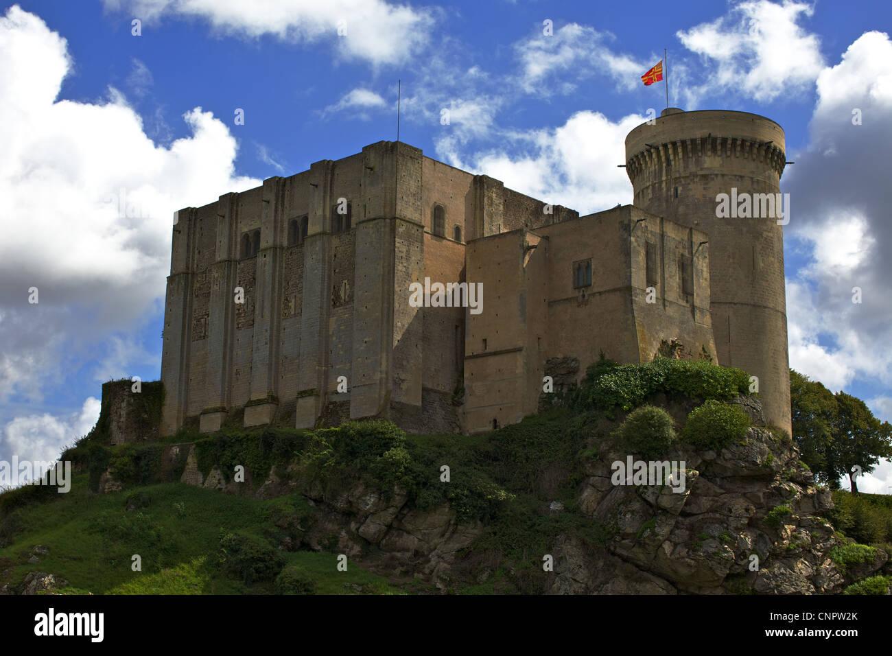 [Chateau de Falaise] castle cliff flag Stock Photo