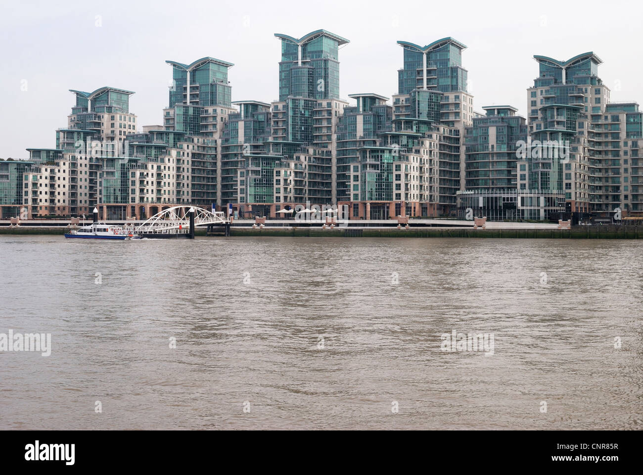 Apartment buildings on the River Thames at Vauxhall. London. England. - Stock Image