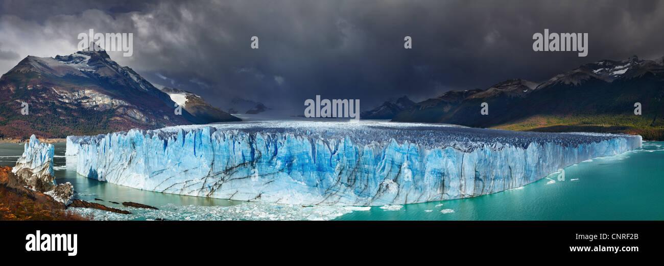 Perito Moreno Glacier, Argentino Lake, Patagonia, Argentina - Stock Image