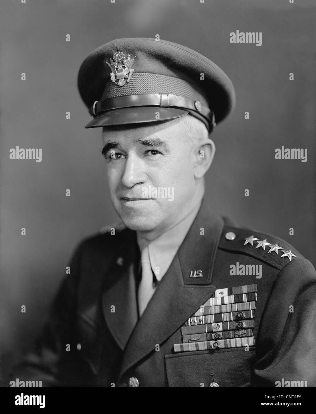 Vintage World War II photo of Four Star General Omar Bradley. - Stock Image