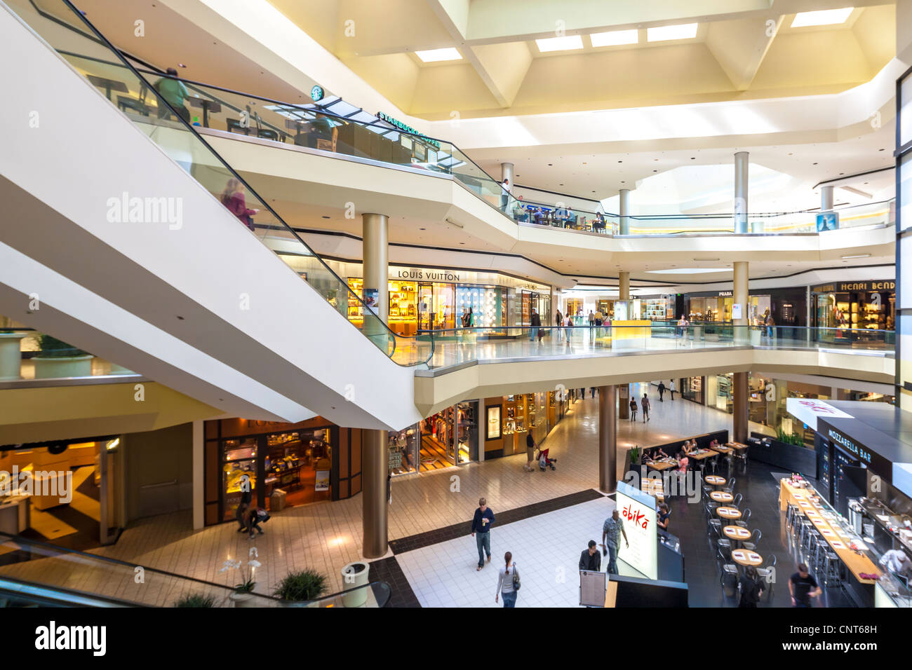 Beverly Hills Center Centre shopping mall a luxury fashion destination between Beverly Hills and Hollywood in Los - Stock Image
