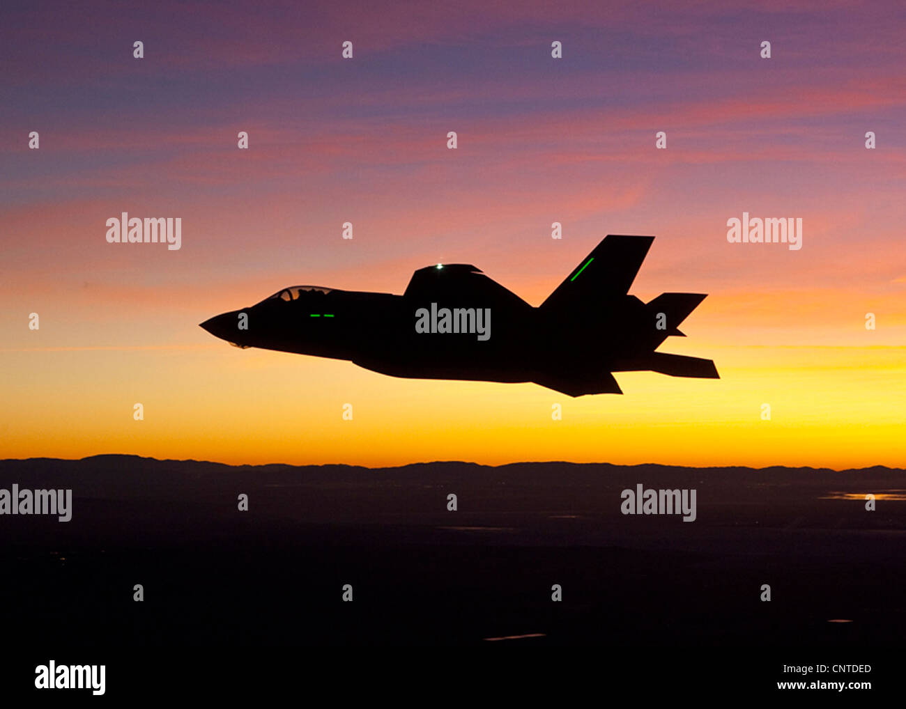 US Air Force F-35 Joint Strike Fighter on the first operational night flight January 18, 2012 at Edwards Air Force - Stock Image