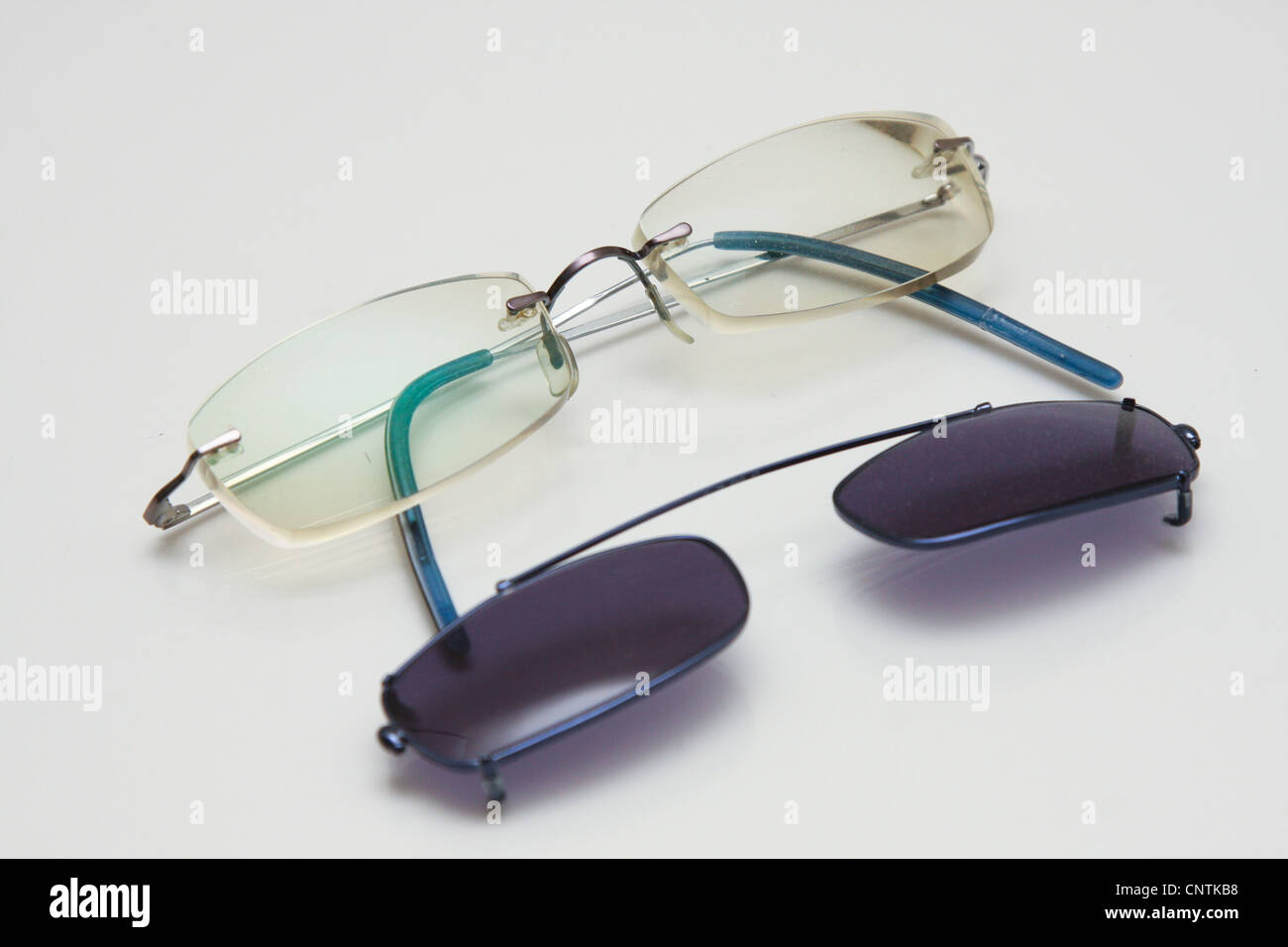 reading glasses sunglasses clip on - Stock Image