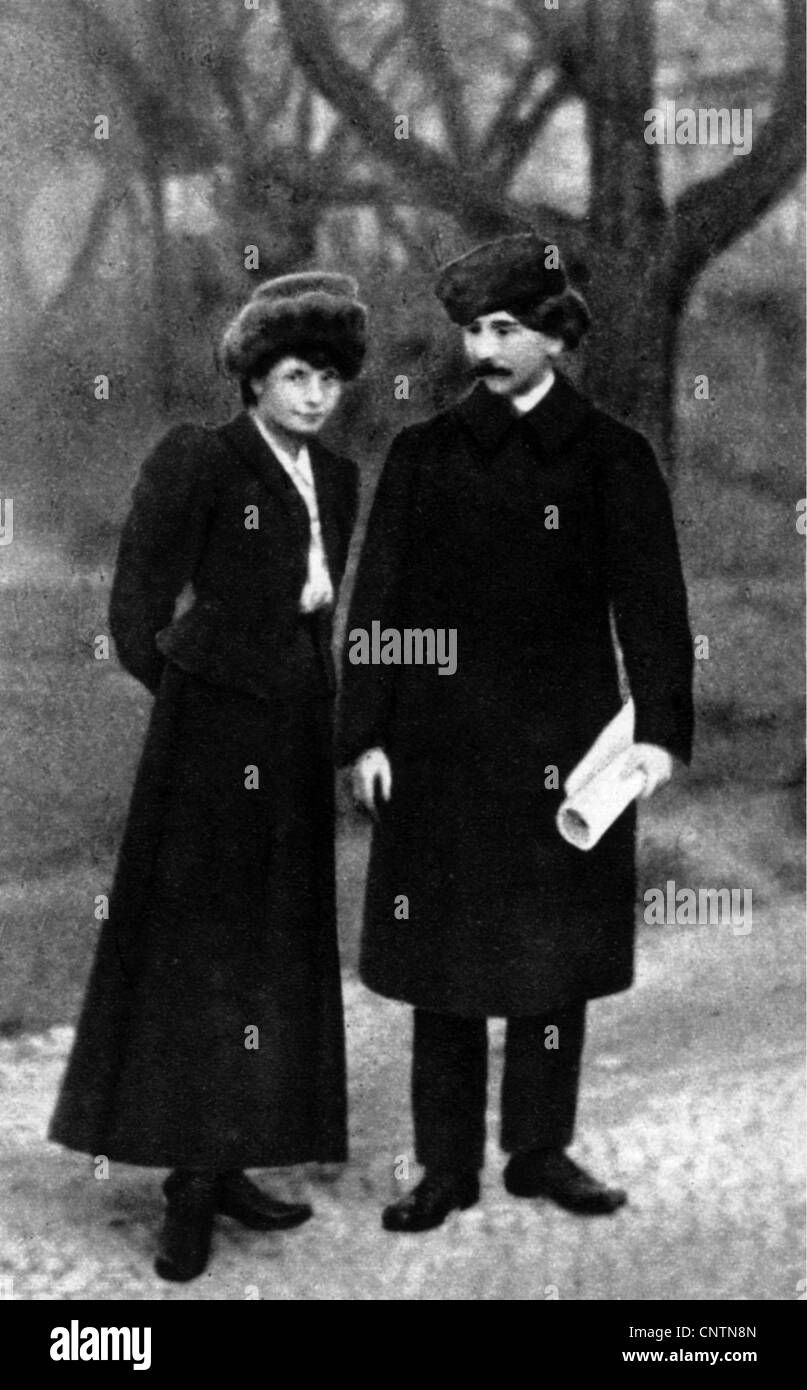 Hasek, Jaroslav, 30.4.1883 - 3.1.1923, Czech author / writer, full length, with his wife Jarmila Haskova, 1908, Stock Photo