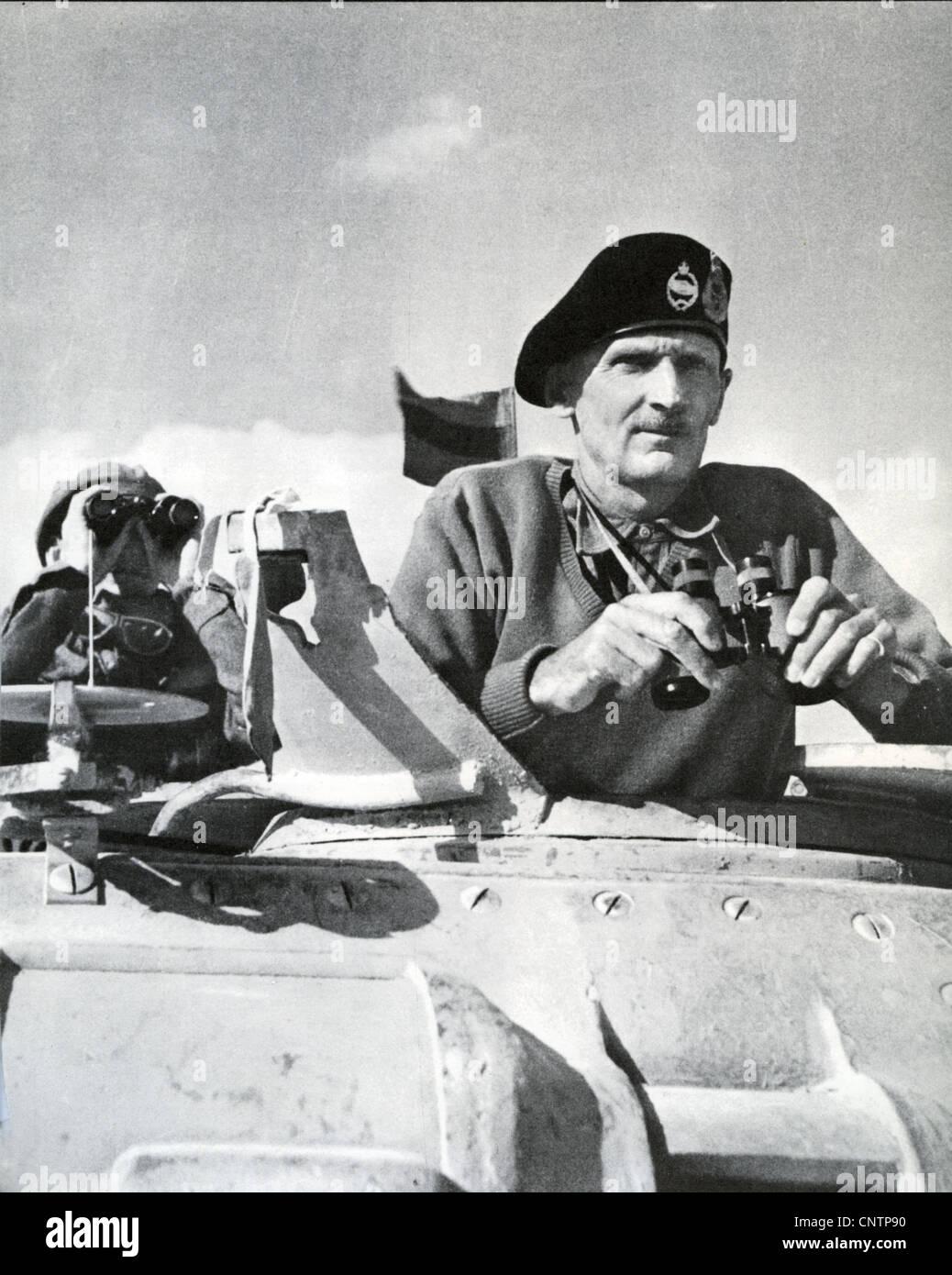 FIELD MARSHALL BERNARD MONTGOMERY (1887-1976) in the North African desert in 1942 - Stock Image