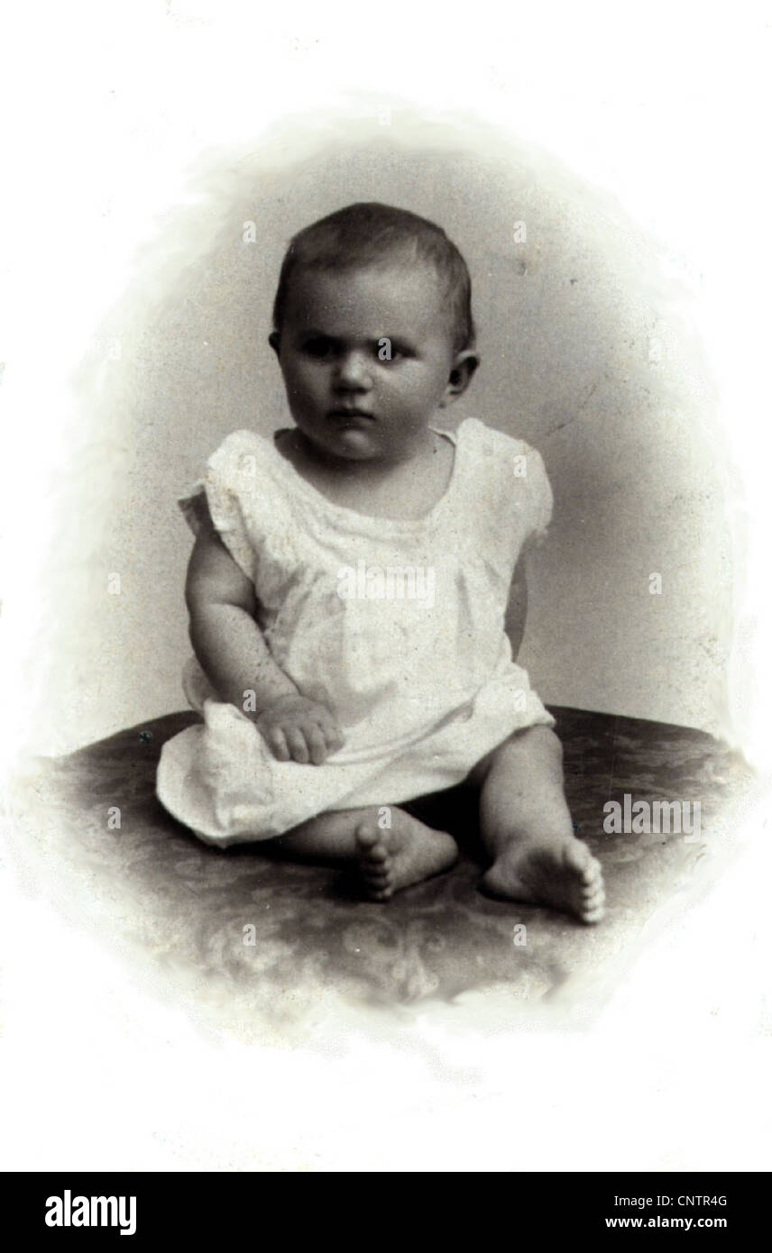 People Children Baby Full Length Sitting Carte De Visite Circa