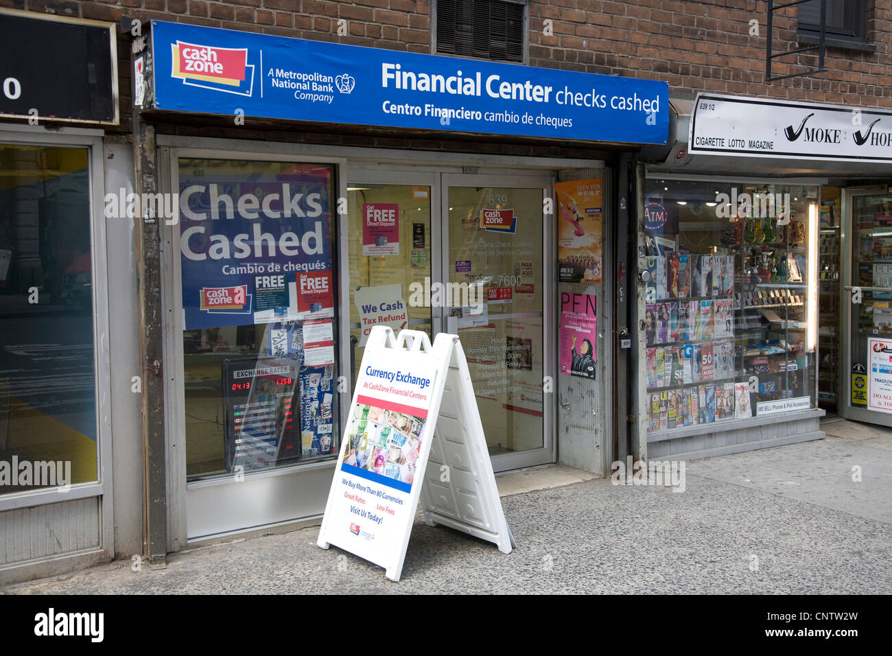 Cashing Check Stock Photos & Cashing Check Stock Images - Alamy