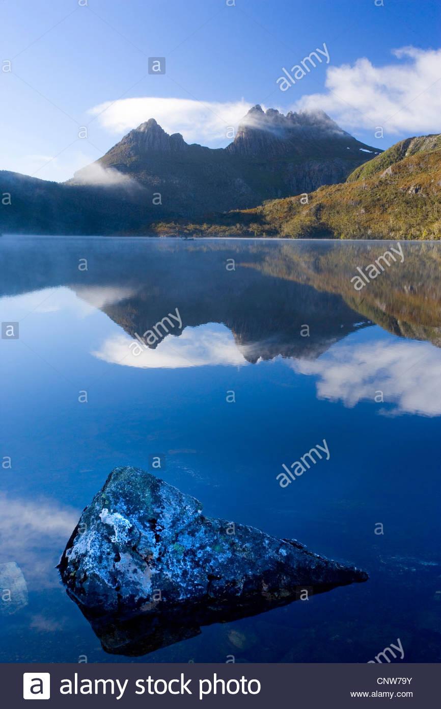 Mountain scenery with Dove Lake in front of massive Cradle Mountain , Australia, Tasmania, Cradle Mountain Lake - Stock Image