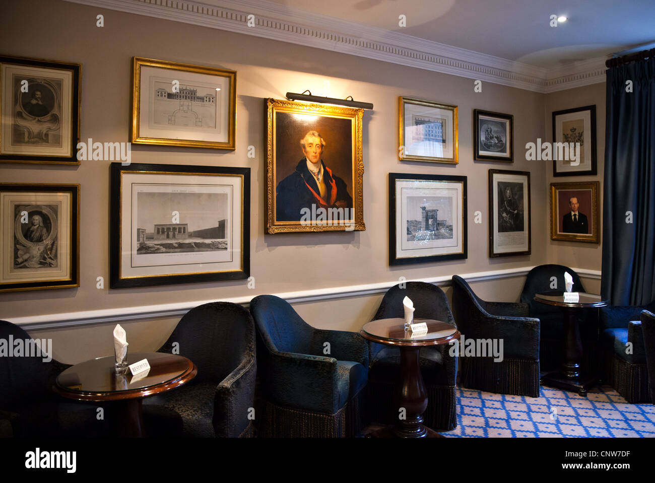 Europe England London, the James Bond's places, the Dukes Hotel in St James street - Stock Image