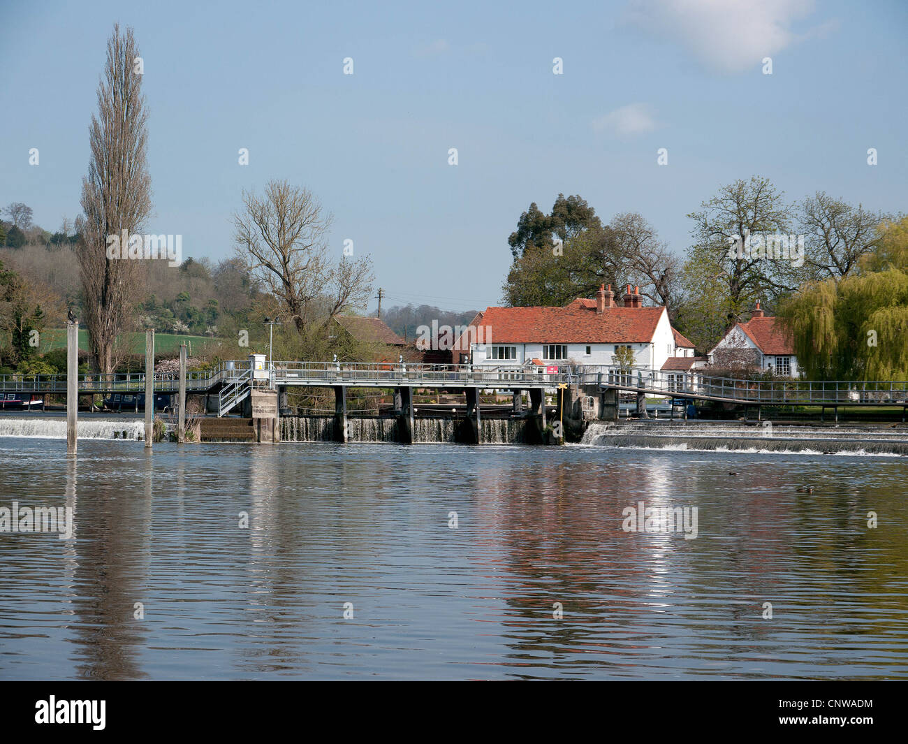 Shiplake Lock and weir on the River Thames. Oxfordshire, UK - Stock Image