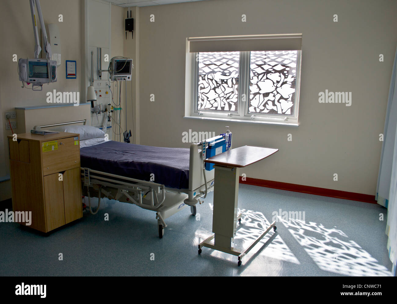 Modern hospital coronary care unit bed space. CCU - Stock Image
