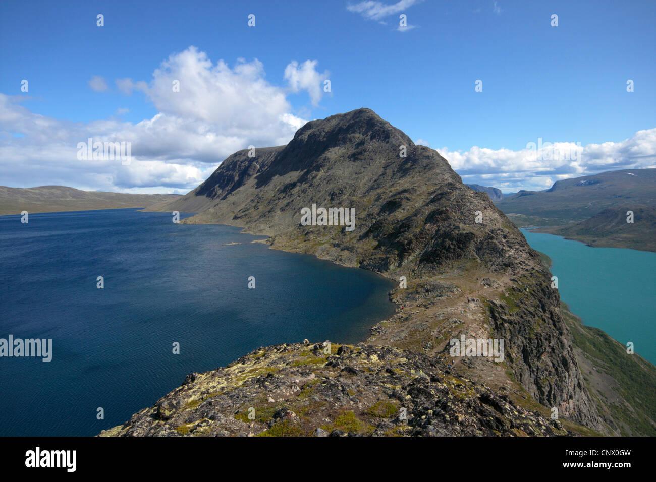Besseggen ridge with Bessvatnet Lake on the left and Lake Gjende on the right, Norway, Jotunheimen National Park - Stock Image
