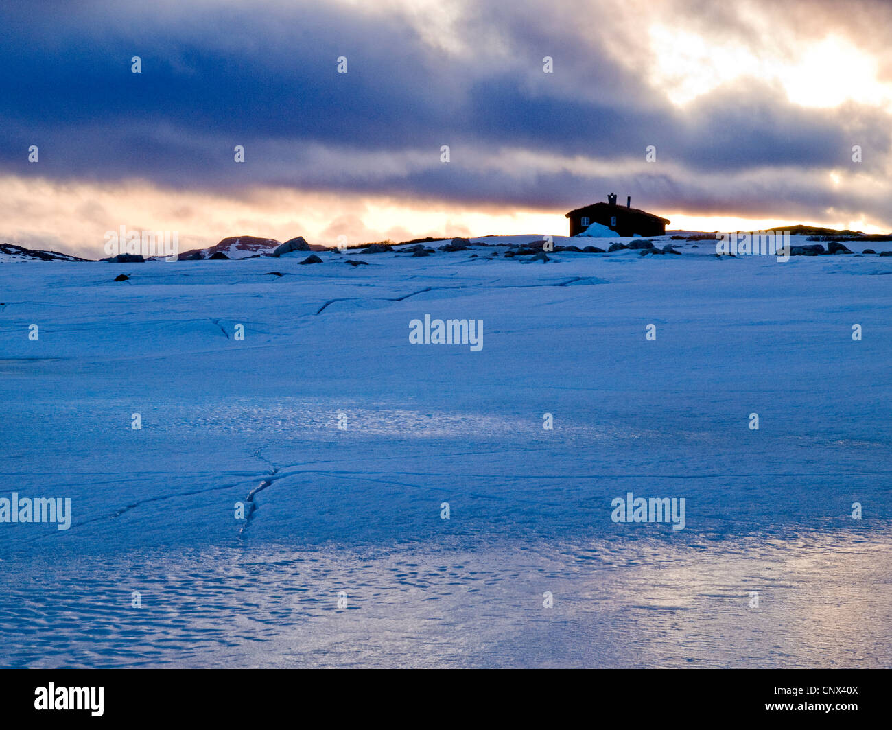 mountain hut in Norway, winter, on the Hardanger plateau - Stock Image