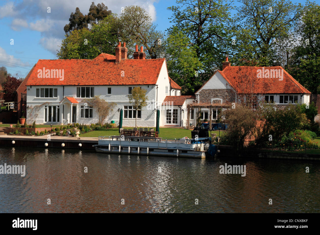 England Buckinghamshire Hambleden, River Thames at Mill End Stock Photo