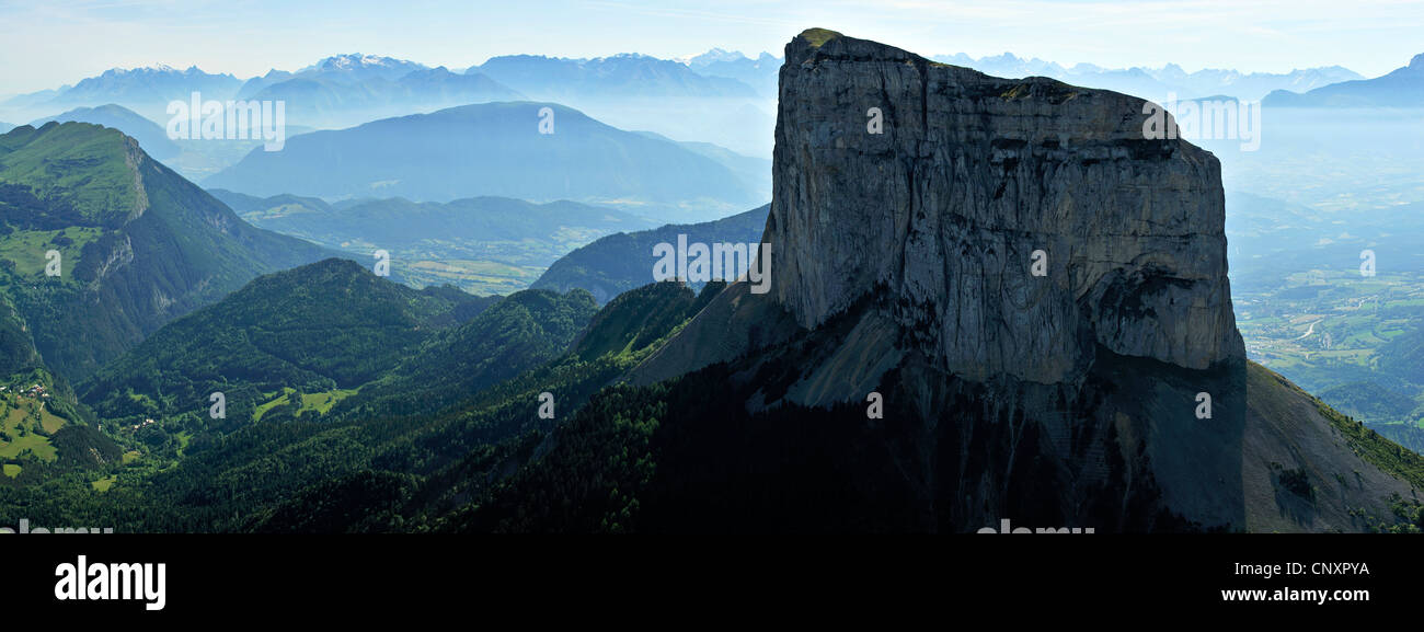 Mont Aiguille and mountains of Trieves, France, Is�re, Rh�ne-Alpes - Stock Image