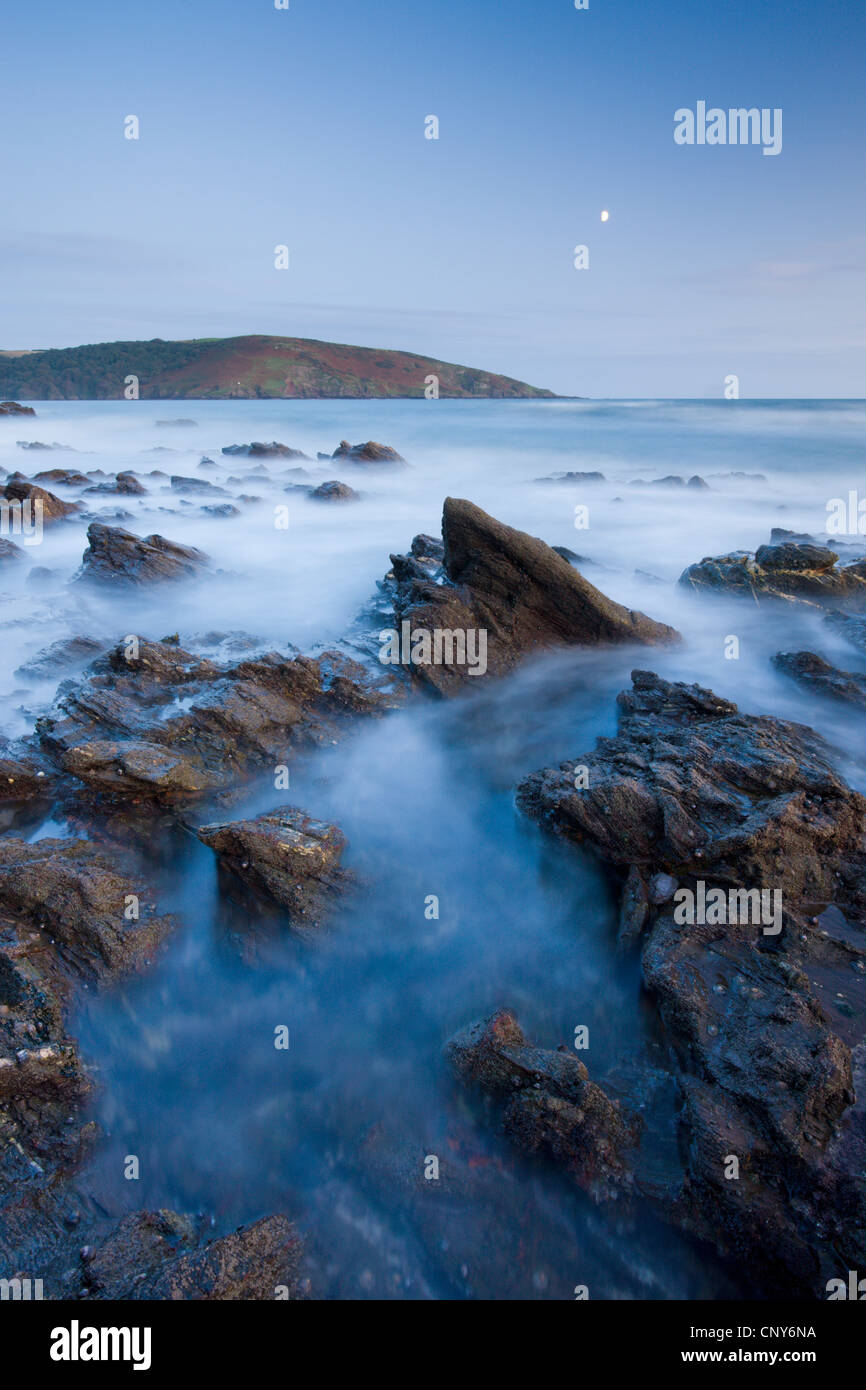 Moon rise over Wembury Bay in South Devon, England - Stock Image