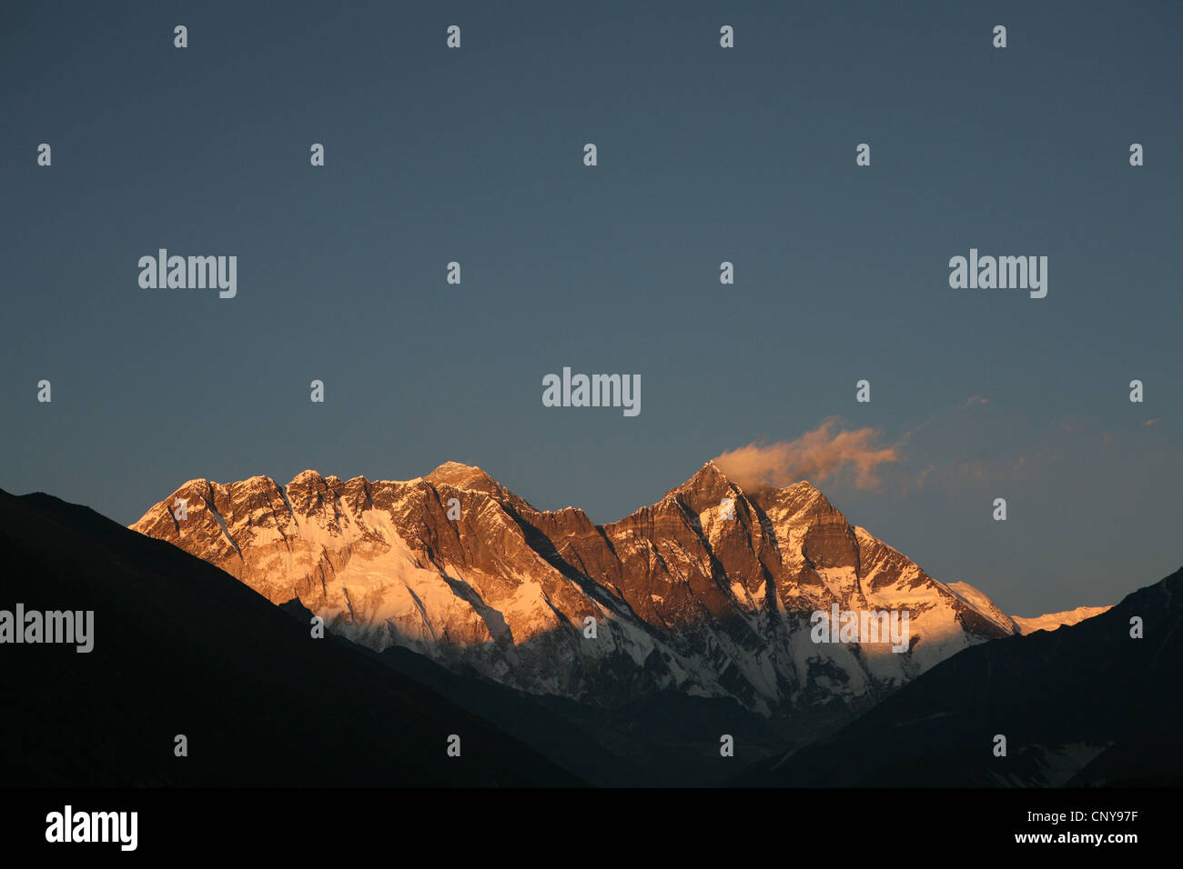 South face of Mount Lhotse (8,516 m) in Khumbu region in the Himalayas, Nepal. View from Tengboche Monastery. - Stock Image