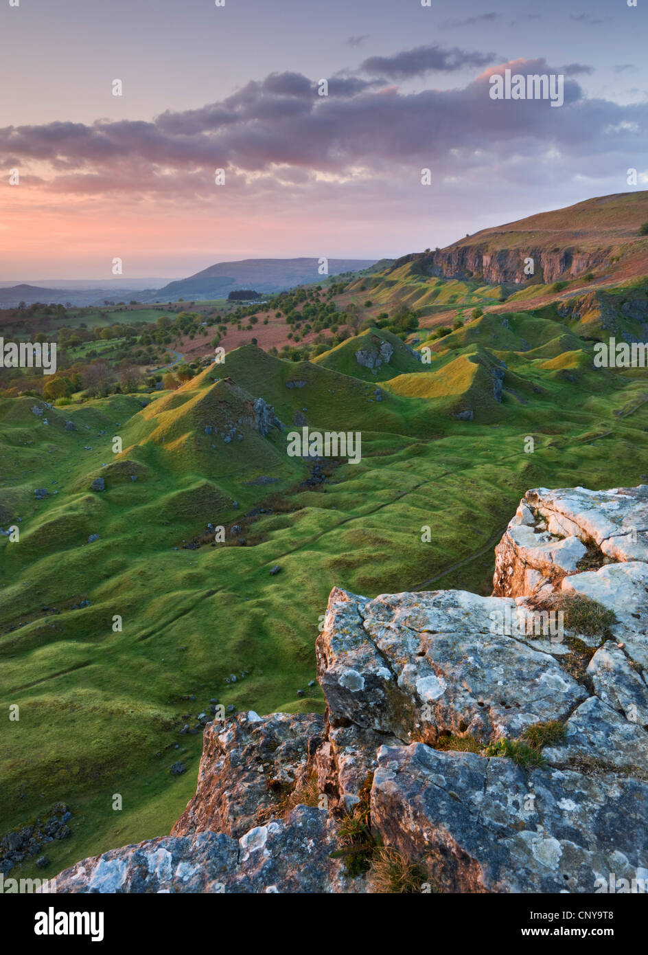 Sunrise over the Llangattock Escarpment in the Brecon Beacons, Powys, Wales. Spring 2010. - Stock Image