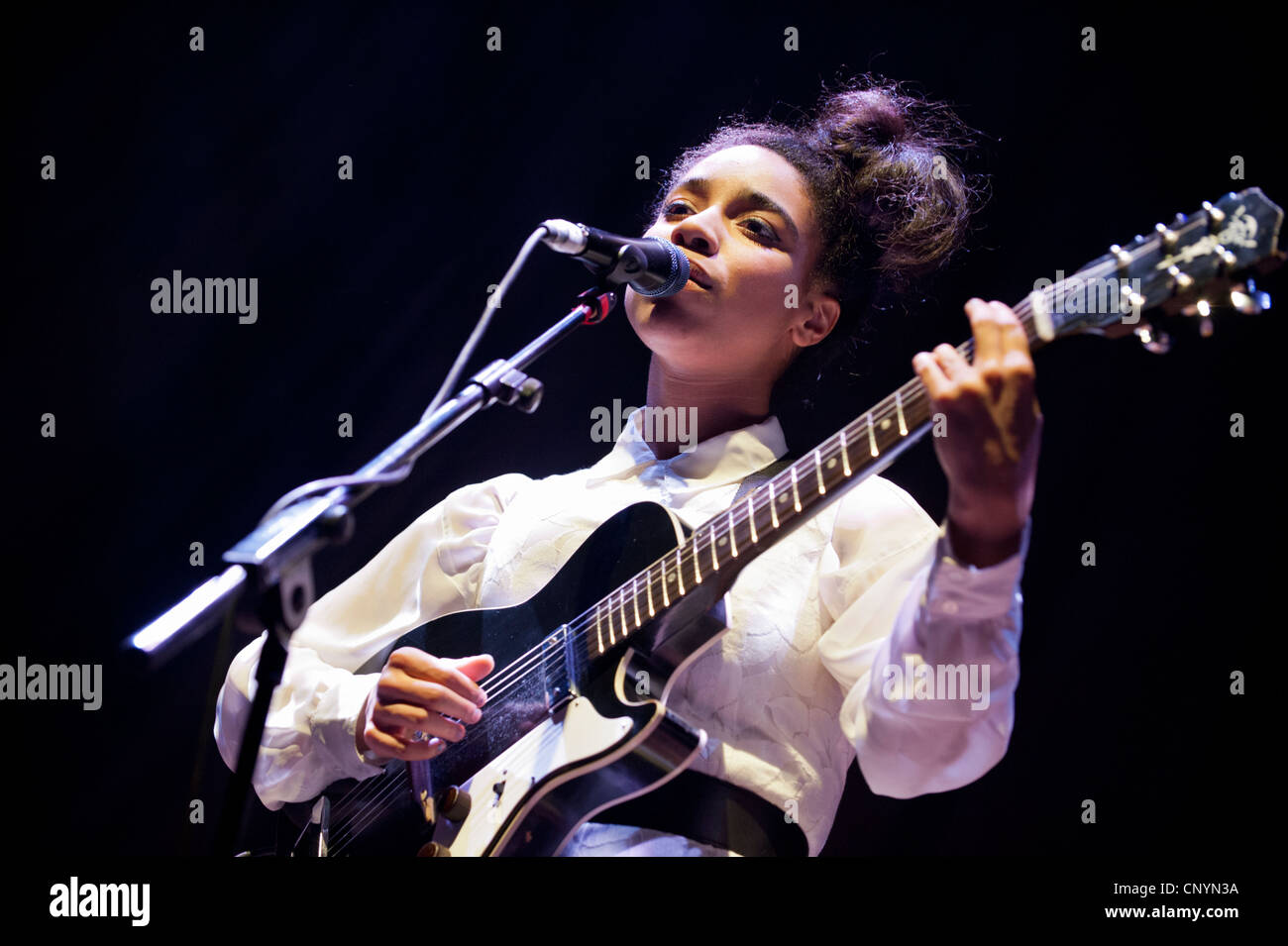 Singer-songwriter Lianne La Havas at Wolverhampton 17th April 2012 - Stock Image