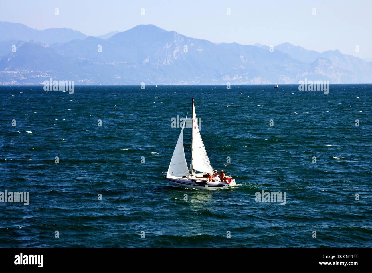 sailing boat on Lake Garda, Italy, Lake Garda, Lombardy, Desenzano del Garda - Stock Image