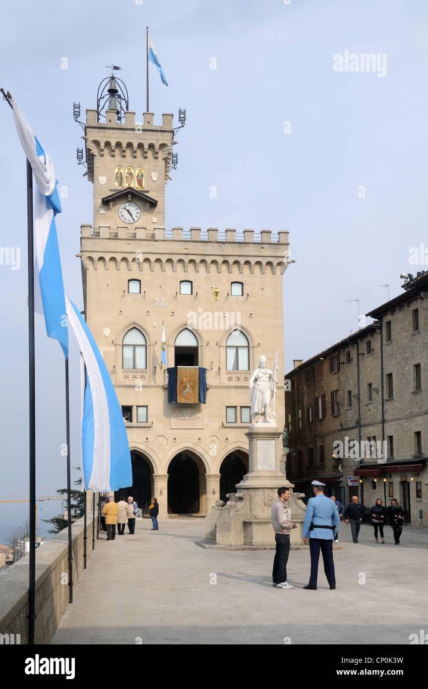 Piazza della Libertà and the Palazzo Pubblico, in the old city of San Marino, Republic of San Marino - Stock Image