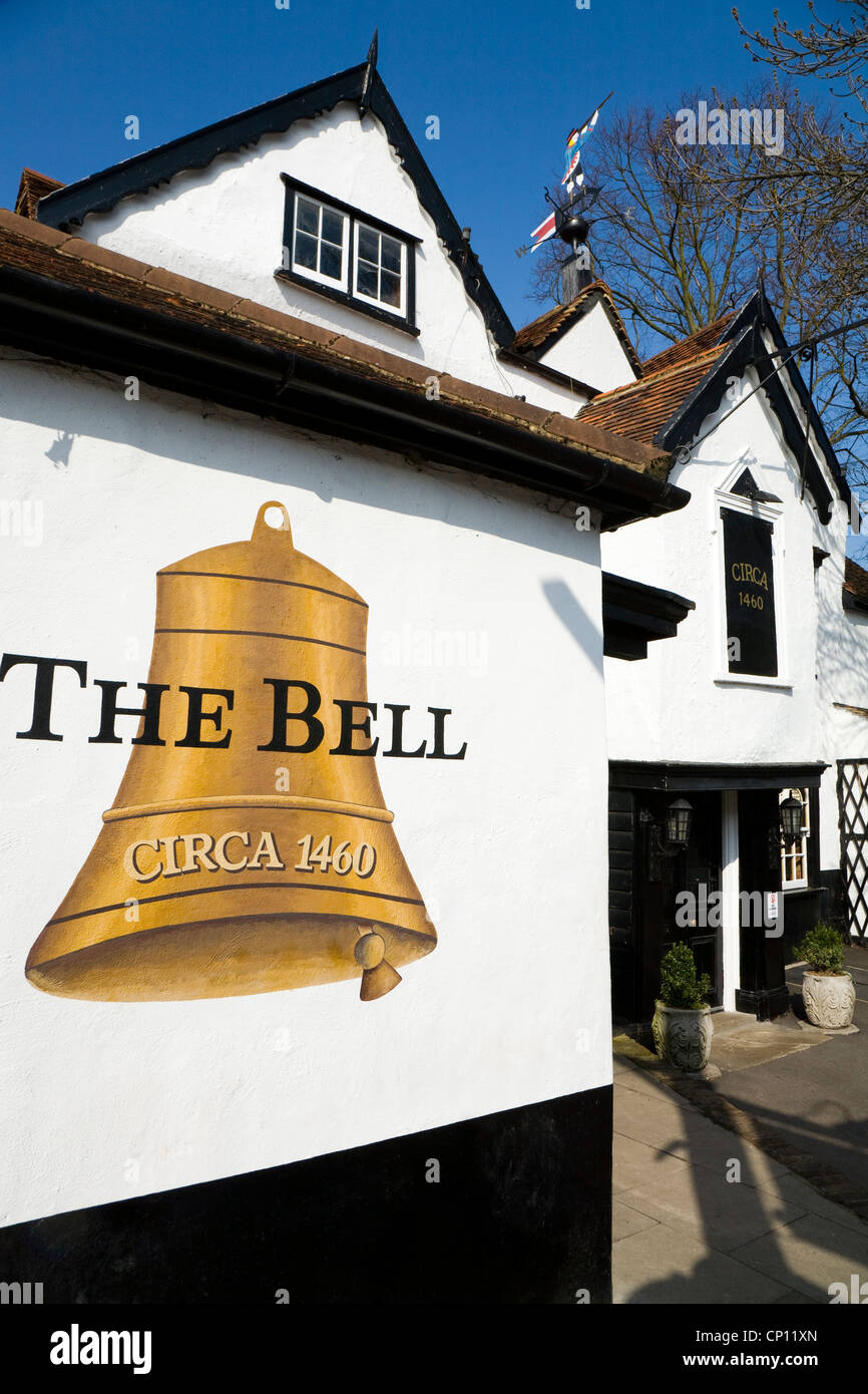 The Bell pub, East Molesey, Surrey. UK. The Bell public house, built Circa 1460, is one of oldest English pubs / - Stock Image