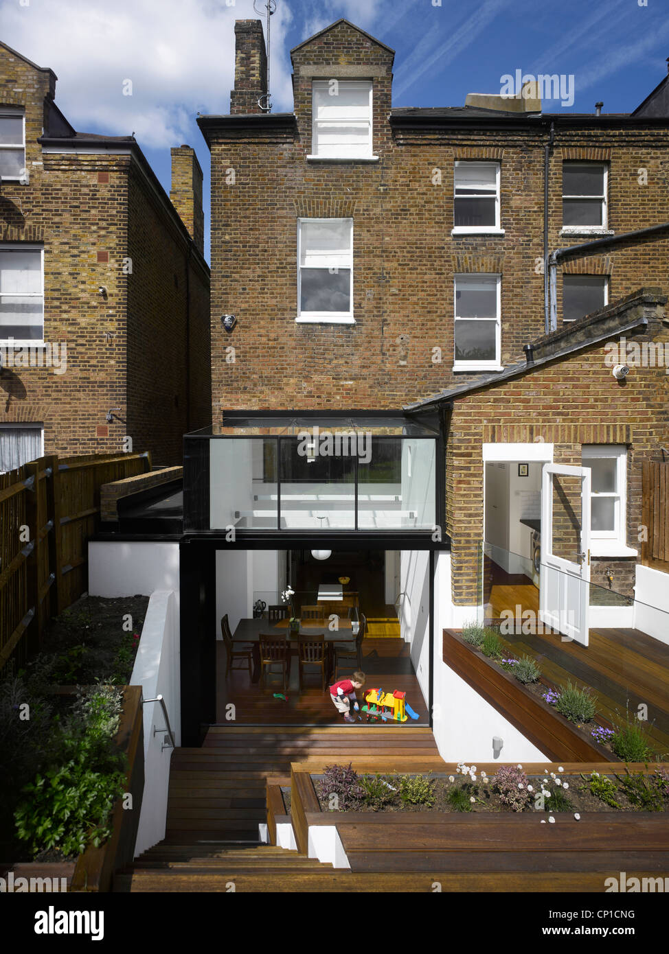 Garden view of house extension by Paul Archer Design near Hampstead Heath, London. - Stock Image