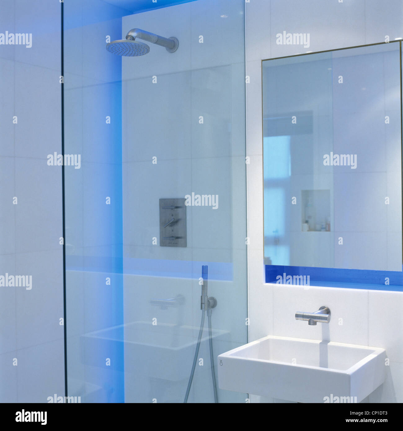 Shower Screen Stock Photos & Shower Screen Stock Images - Alamy