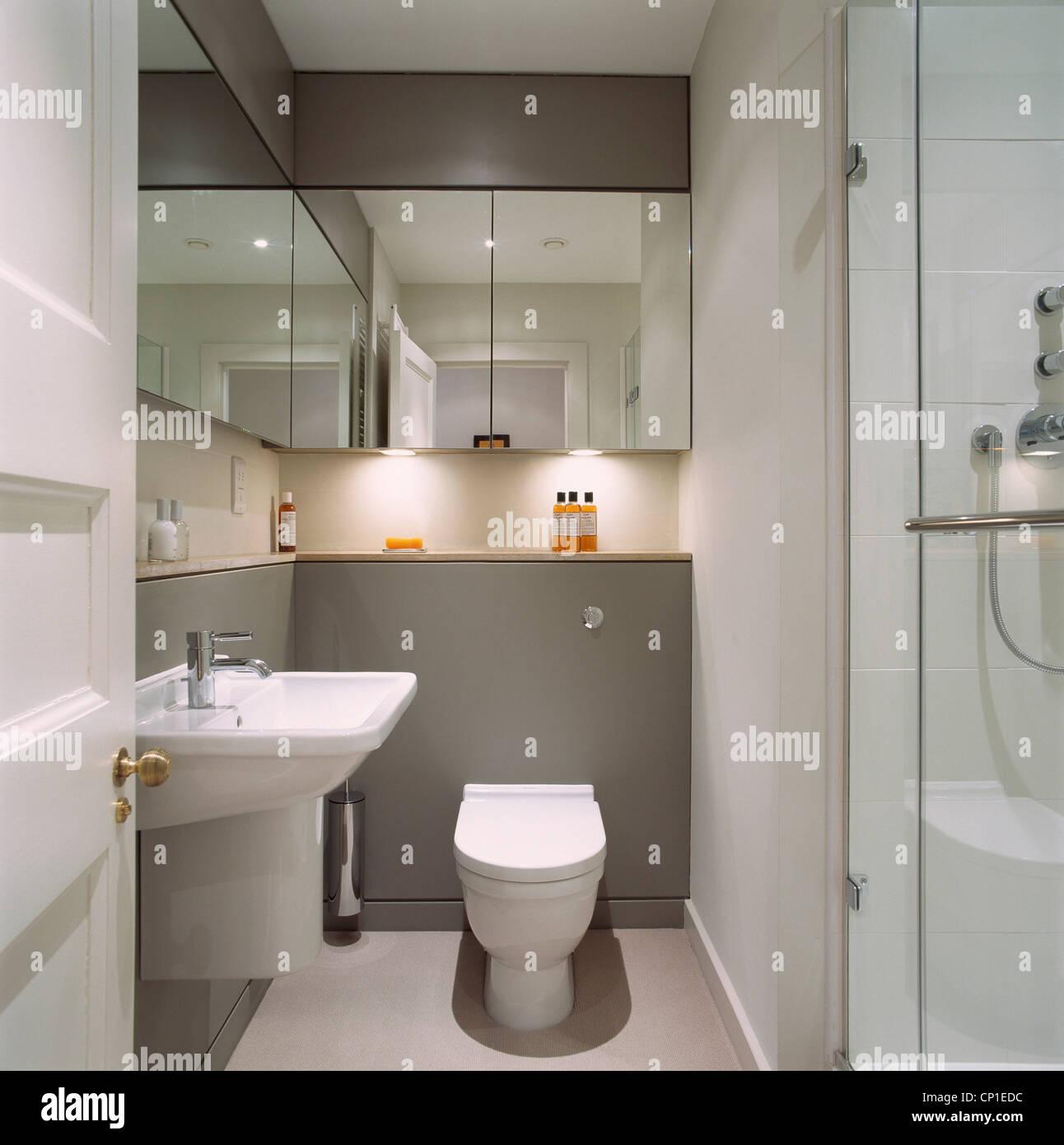 Salle De Bain Washroom ~ bathroom door stock photos bathroom door stock images alamy