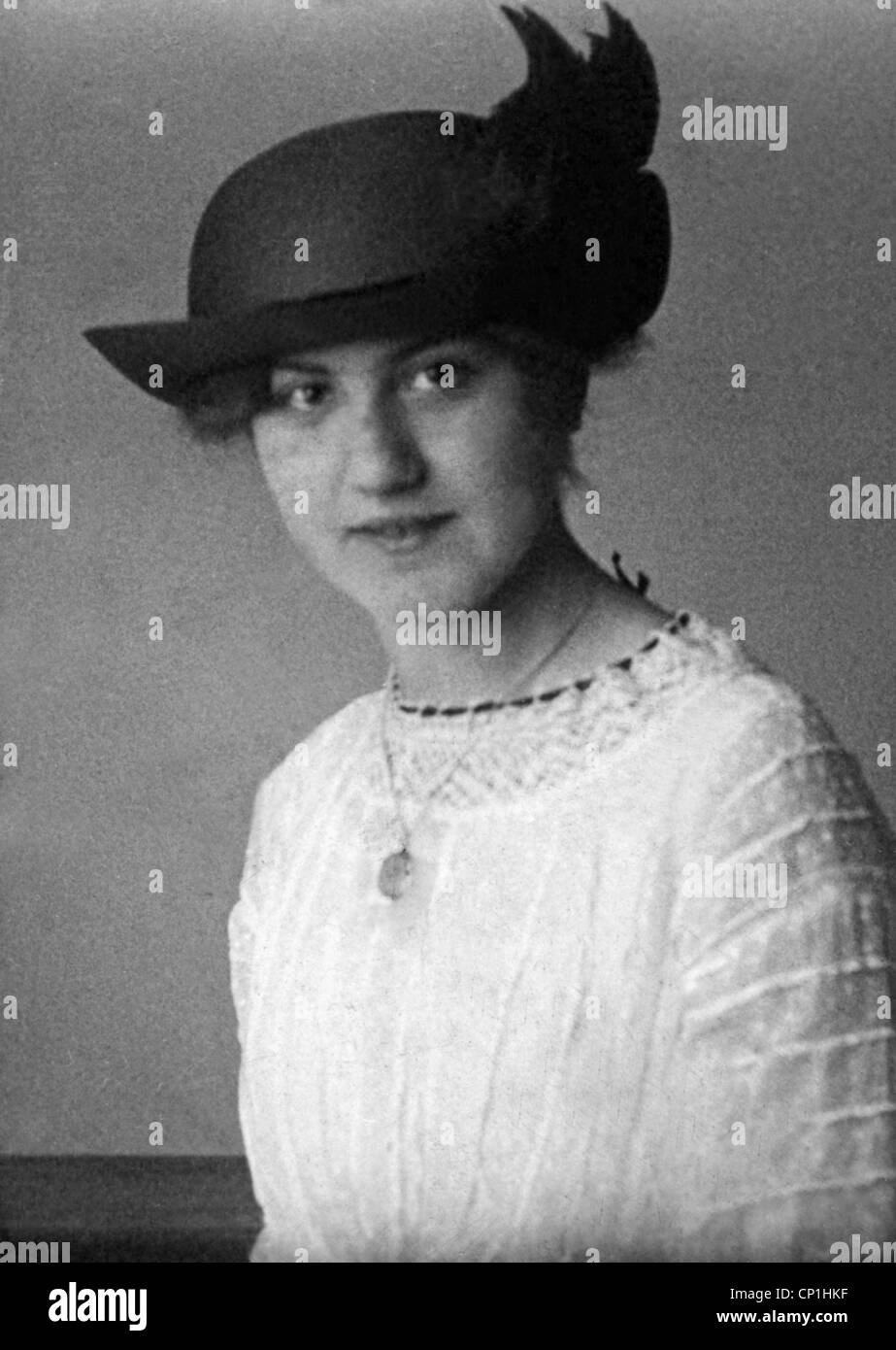 people, women, portraits, woman with hat, Germany, 1913, 1910s, 10s, 20th century, historic, historical, European, - Stock Image