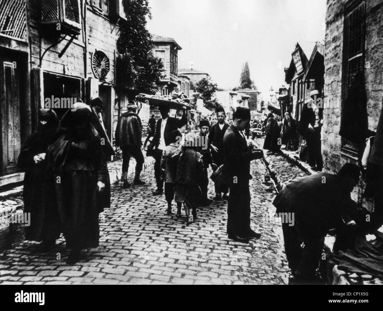 geography / travel, Turkey, Istanbul, Bazar, street with merchants, circa 1900, Additional-Rights-Clearences-NA - Stock Image