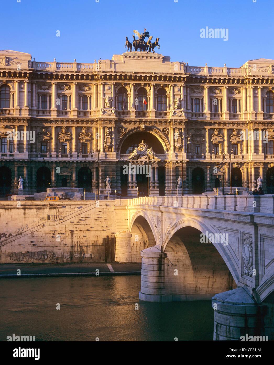 Rome, Palazzo di Giustizia, 1888 - 1910 by architect Guglielmo Calderini - Stock Image