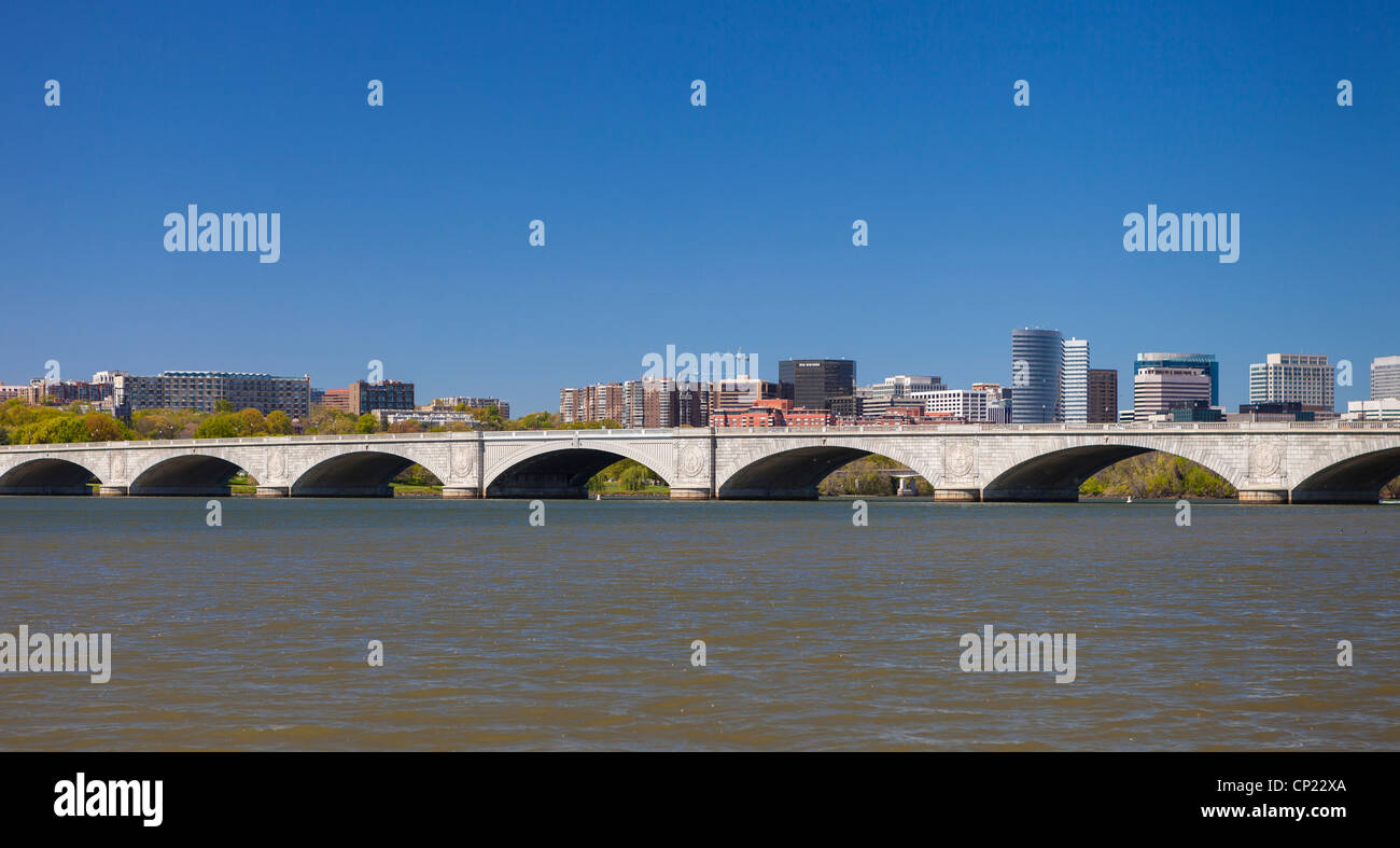 WASHINGTON, DC, USA - Potomac River. Memorial Bridge and Rosslyn, VA skyline. - Stock Image