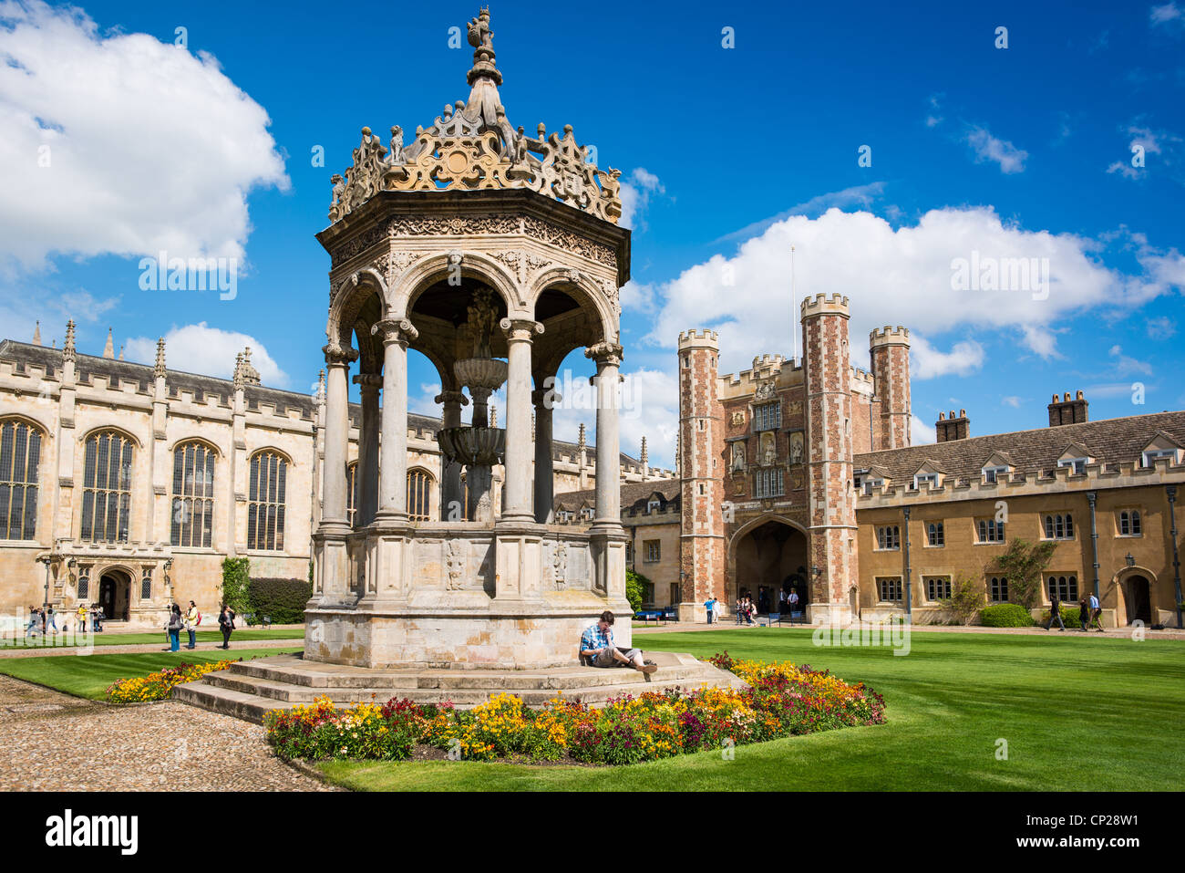 Cambridge University Trinity College Great Court and water fountain. UK. HIGH RESOLUTION IMAGE TAKEN WITH CARL ZEISS - Stock Image