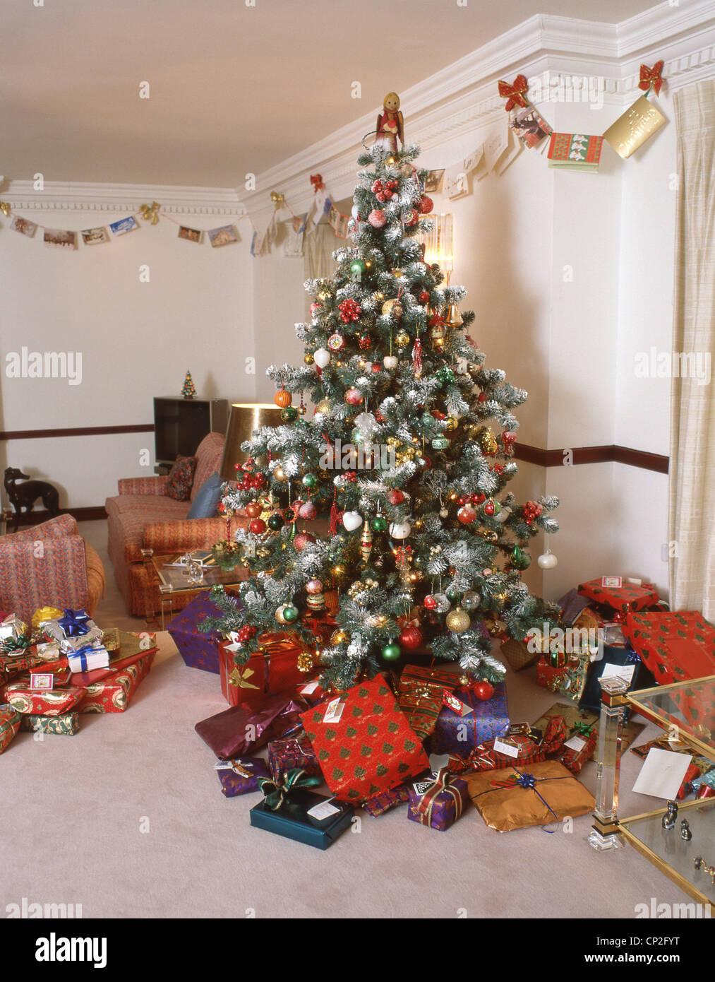 England Christmas Tree.Christmas Tree In Living Room Of House Surrey England