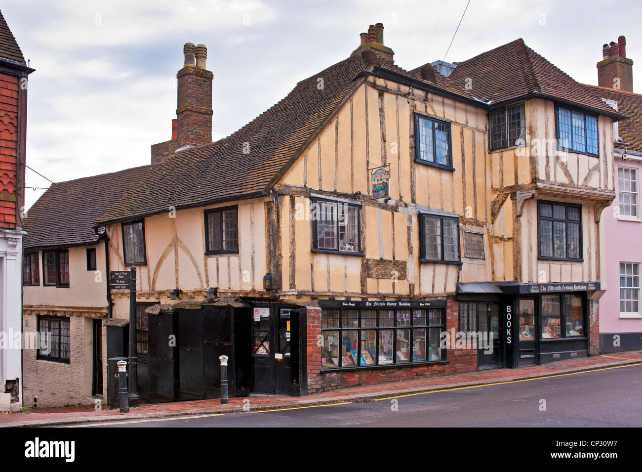 Fifteenth Century Book shop in Lewes High Street, East Sussex. - Stock Image