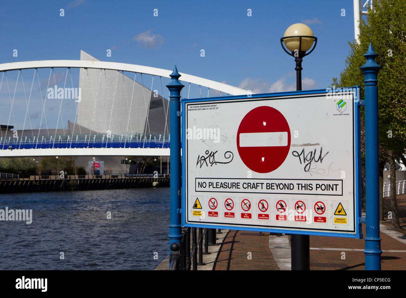 The Salford Quays lift bridge Manchester Ship Canal Greater Manchester Midlands uk gb - Stock Image