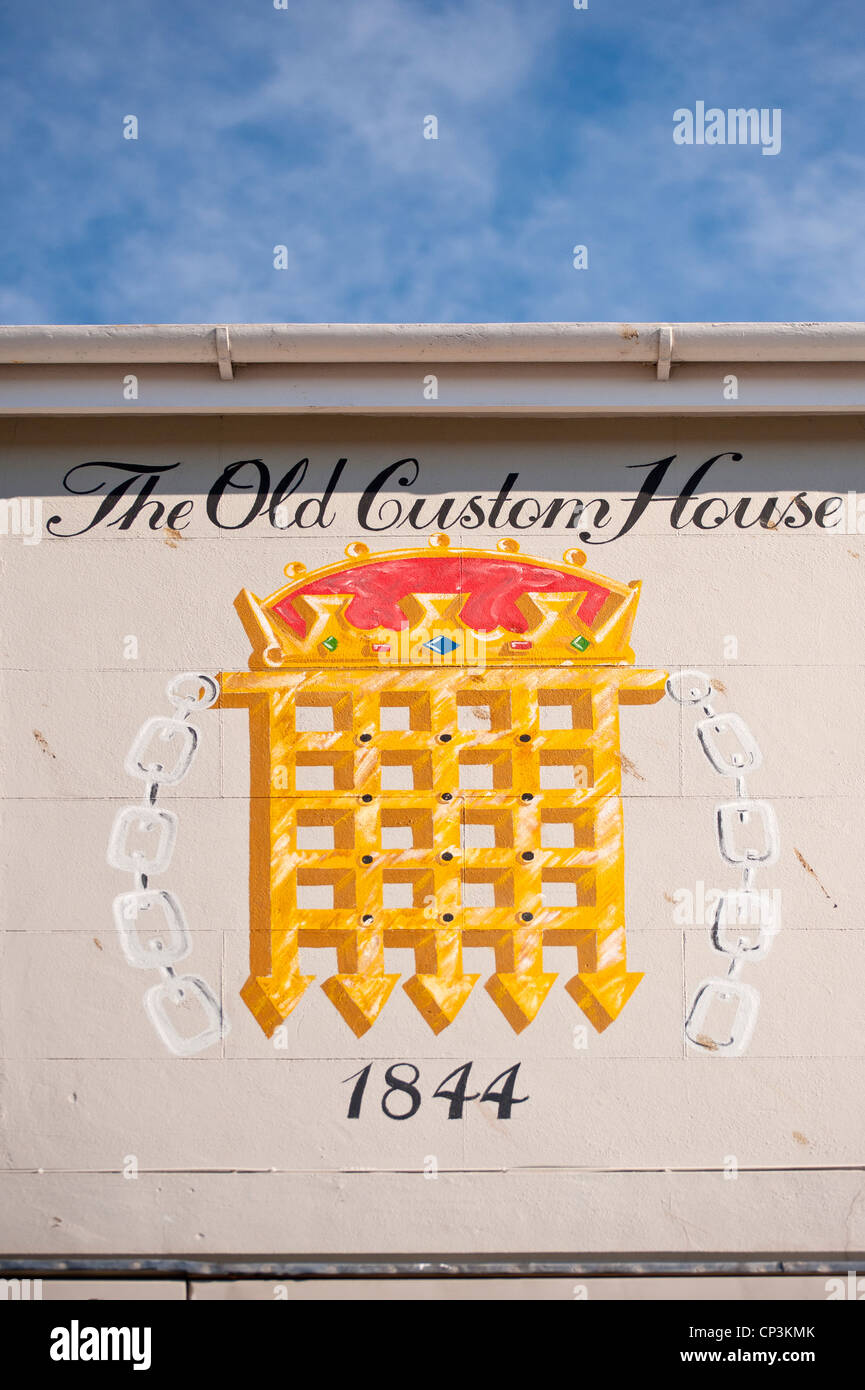 Portcullis sign on the Old Customs Hose in Hastings Old Town - Stock Image
