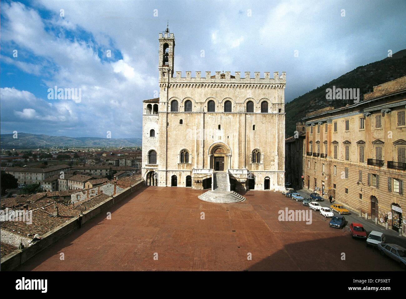 Umbria Gubbio (Pg). Palazzo dei Consoli, built in first half of fourteenth century designed by Angelo da Orvieto. - Stock Image