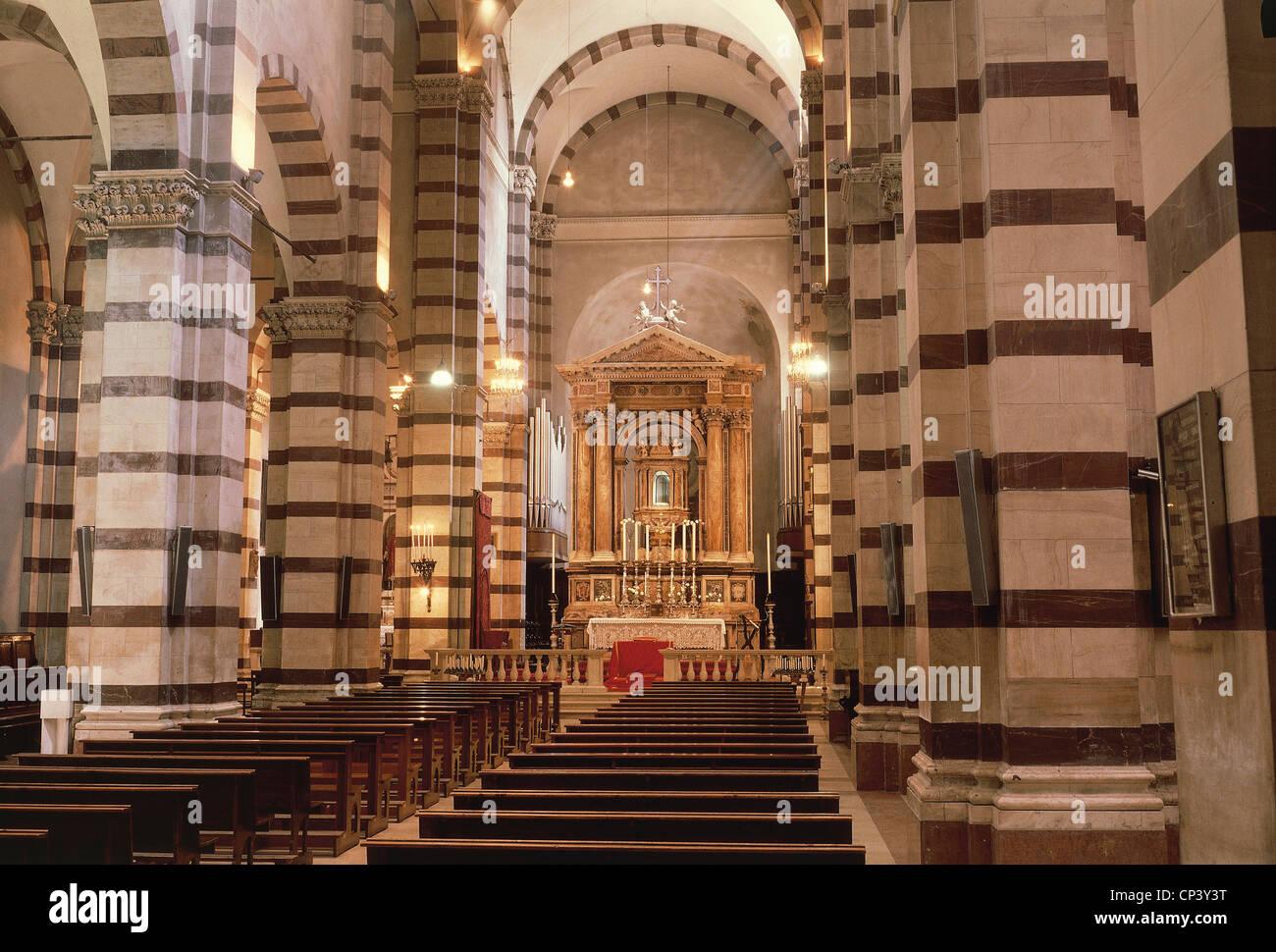 Tuscany - Grosseto. The Cathedral of San Lorenzo. Interior. Architect of Sozzo Rustichino, 1294-1302. - Stock Image