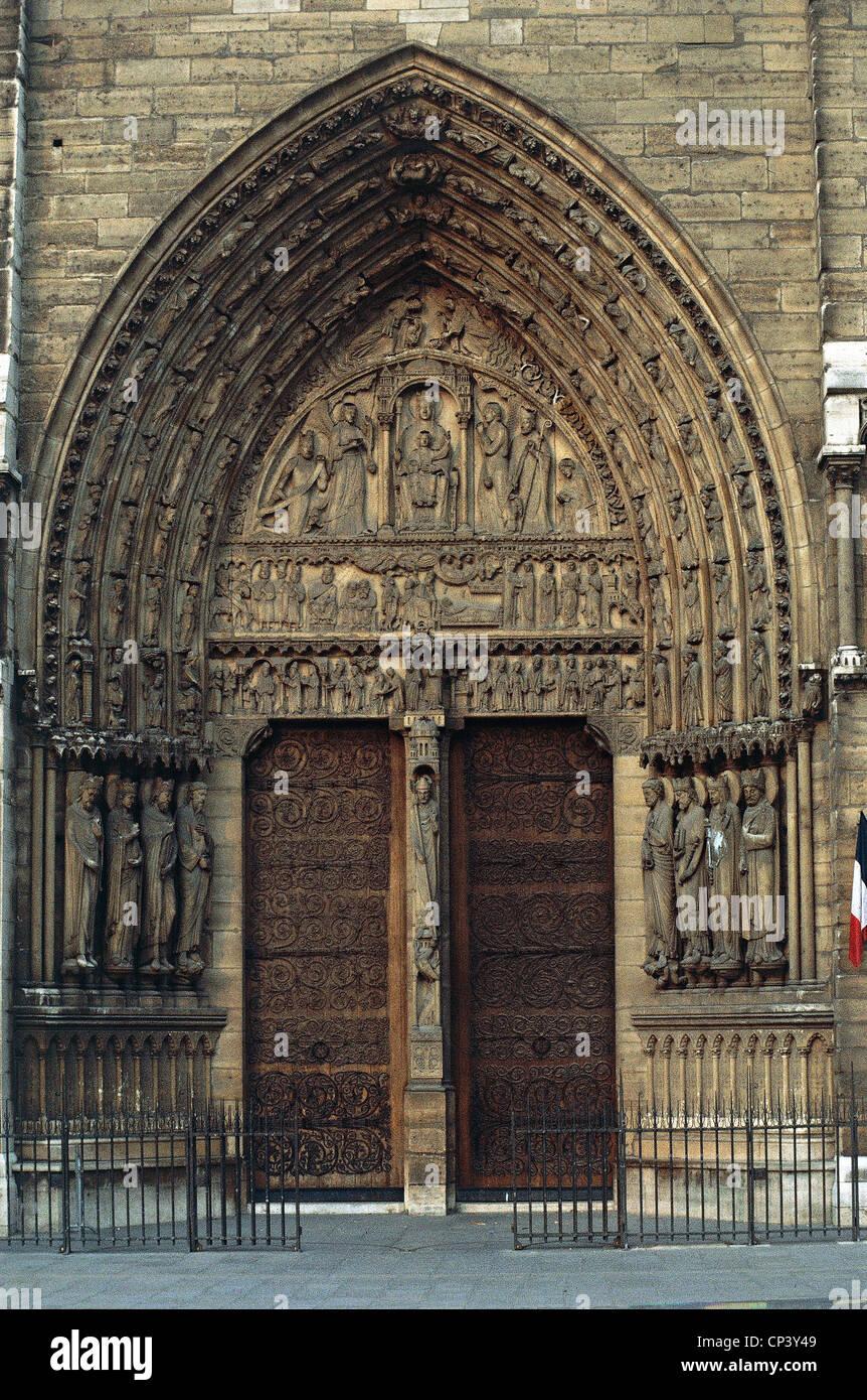 France - Ile-de-France - Paris. Cathedral of Notre Dame. Detail: Portal of St. Anne. Stock Photo