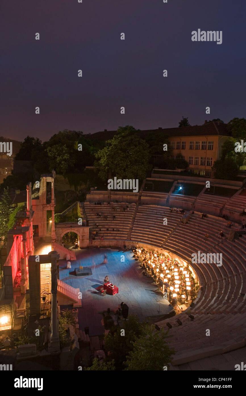 Bulgaria - Plovdiv. The ancient Roman Theatre Plovdiv (second century BC). Night - Stock Image