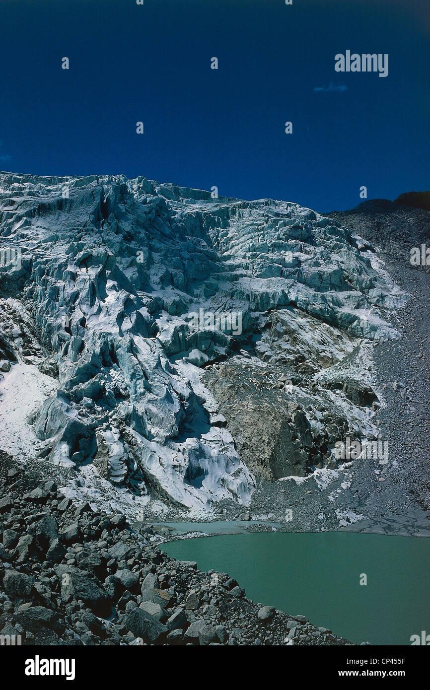 Bolivia - Andes - Cordillera Real or Septentrional. Glacier Chearoco. - Stock Image