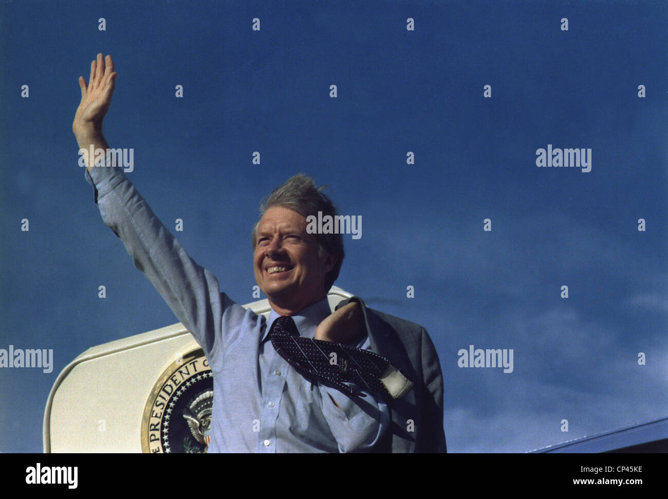 President Jimmy Carter waving from Air Force One. Ca. 1977-1980. - Stock Image