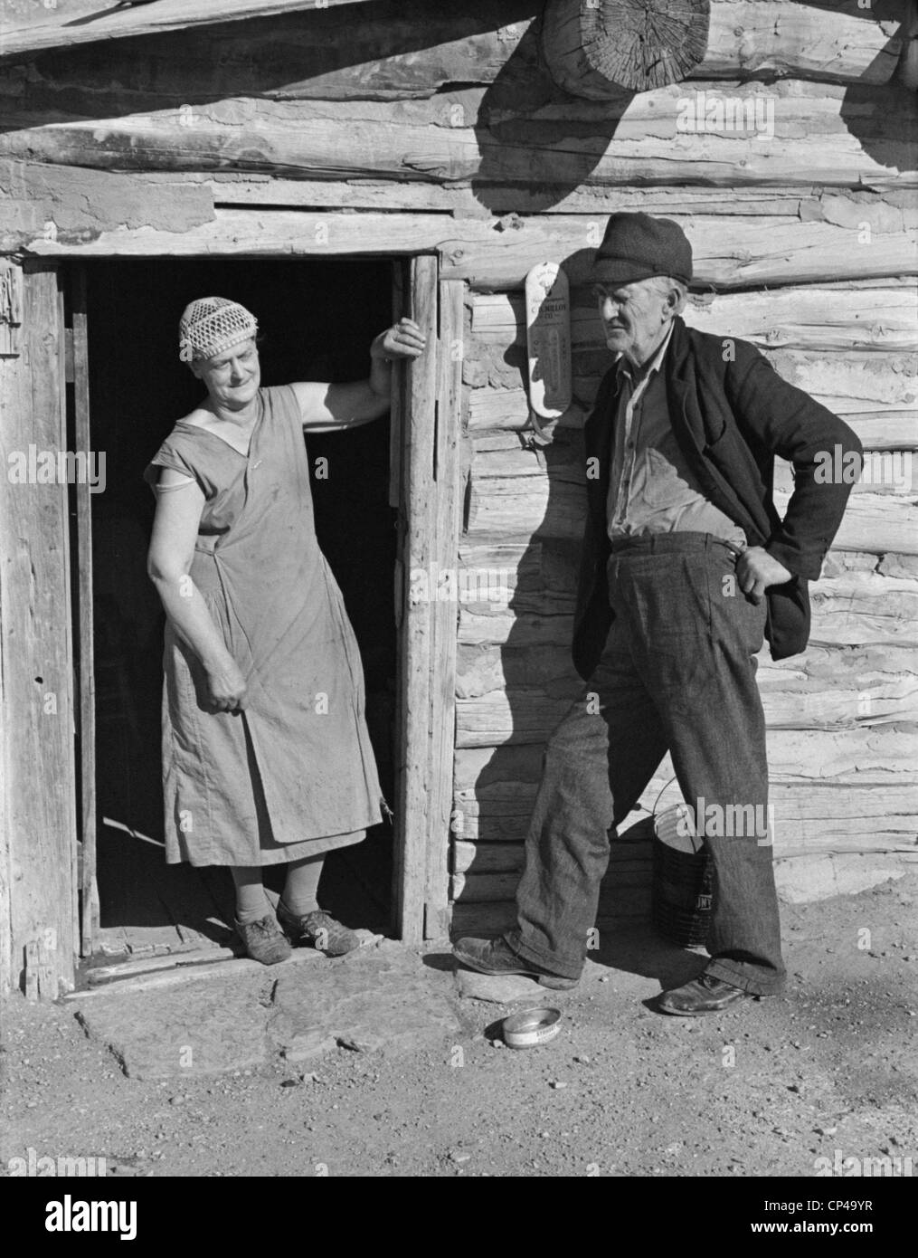 Elderly farmer couple on relief. Mr. and Mrs. O'Brien were drought victims in Williams County North Dakota. - Stock Image