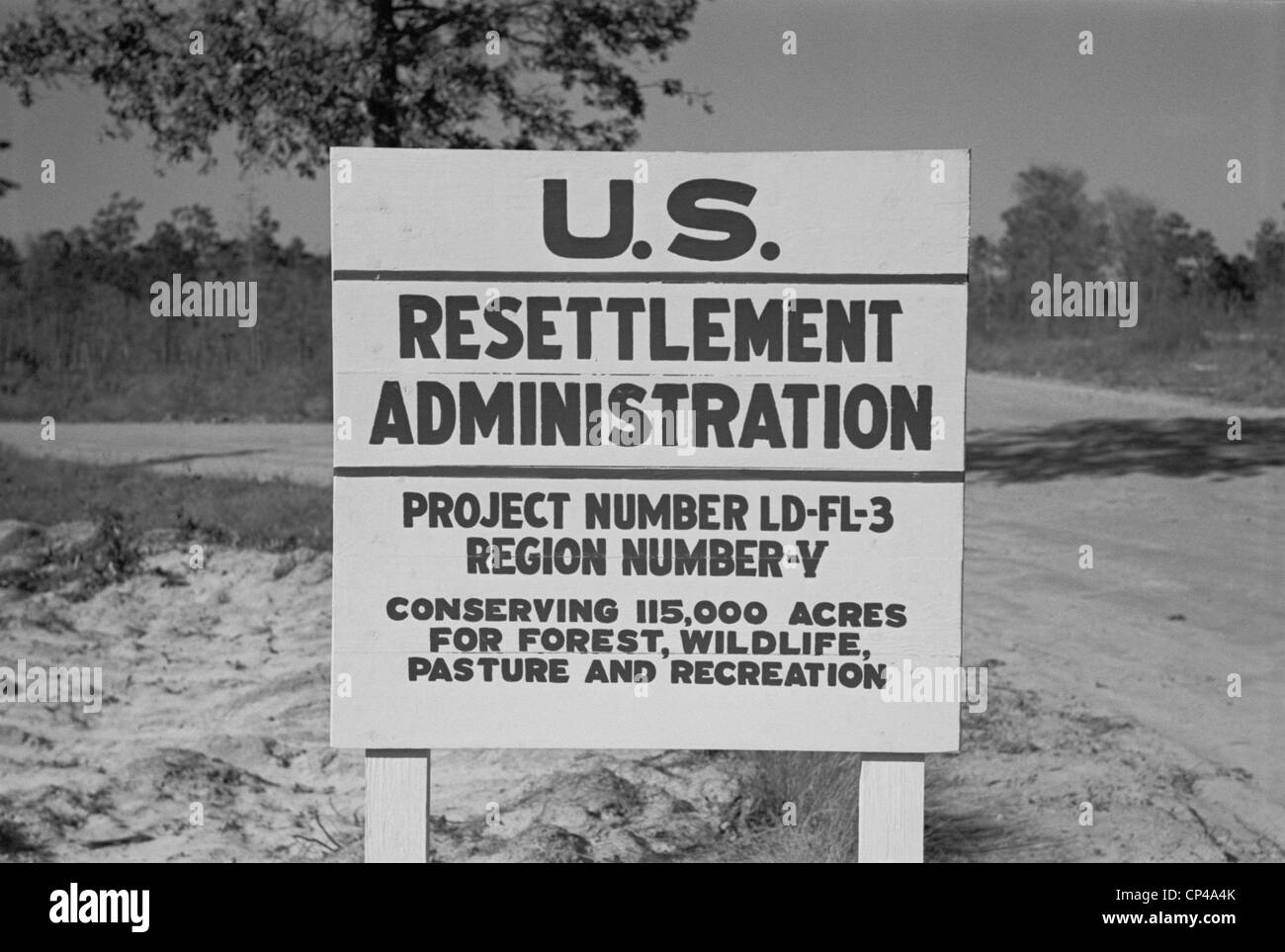 US Resettlement Administration sign for the Withlacoochee Land Use Project. The Public Works Project reforested - Stock Image